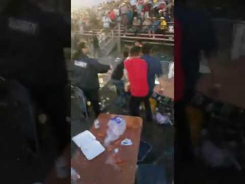 ¡¡BRONCA EN PLENO JARIPEO!!CON RANCHO LOS DESTRUCTORES EN LA PLAZA DE TOROS TOYOTA PARK DE CHICAGO