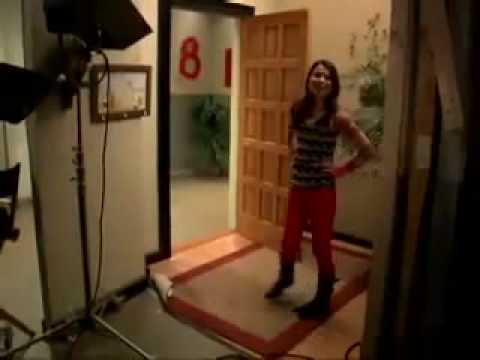 Scene icarly room changing