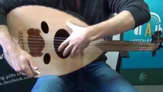 الدرس الاول من دروس تعلم العزف على العود المجانية للمبتدئين ListenArabic Lesson 1 How to Play Oud