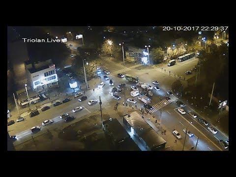 TriolanLive: ДТП на перекрестке ул.Гвардейцев-Широнинцев - ул.Валентиновская (20-10-2017)