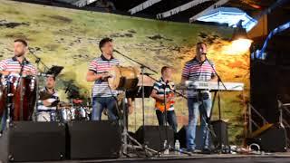 Video LAUREN 6810 orquesta sensacion gomera en cueva del polvo le 26/08/2017 download MP3, 3GP, MP4, WEBM, AVI, FLV November 2017