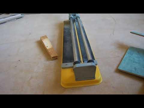 Как ровно отрезать плитку ручным плиткорезом, с ЛЮФТОМ каретки! Плиткорез STAYER 3318 - 60.