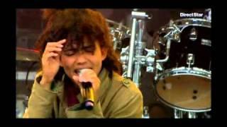 Nneka - VIP (Vagabond in power) @ Vieilles charrues 2009.avi