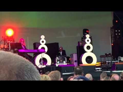 Art Of Noise : Paranoimia : Backbeat (Live)