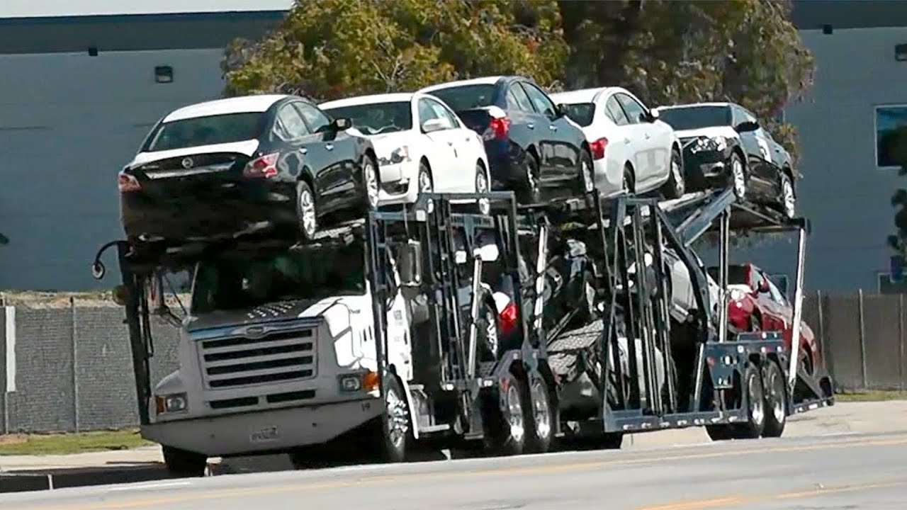 Car Carrier Trucks At Los Angeles Youtube
