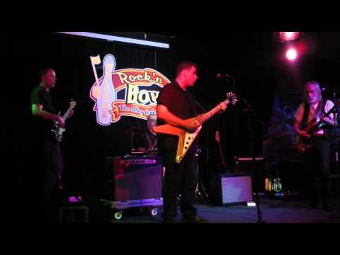 Joe Moss and JB Ritchie jamming at the Alley