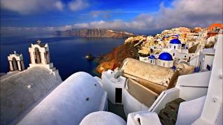 Play Oia In Winter