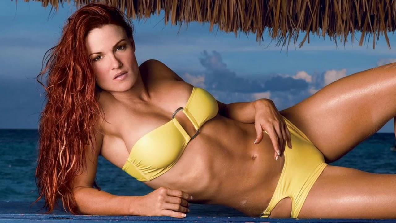 Amy Dumas Hot Boobs Pics
