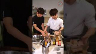 Video [NEOSUBS] 170927 Yizhibo Live Broadcast With SMROOKIES Kun, Jungwoo, Lucas download MP3, 3GP, MP4, WEBM, AVI, FLV Desember 2017