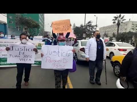 Médicos del hospital Rebagliati exigen libertad de residente Juan José Vilca León  1/4