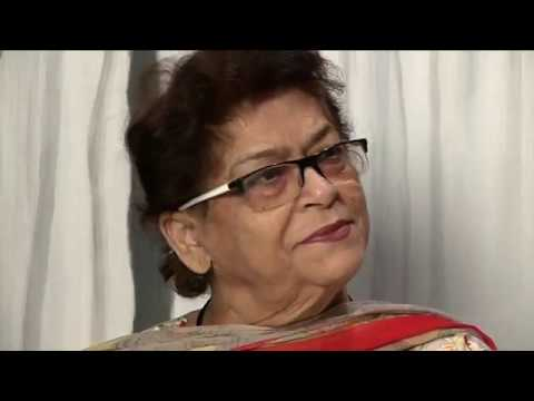 Varun Dhawan Apologizes To Angry Saroj Khan For Tamma Tamma.