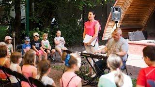 Warsztaty wokalne w letnim ogrodzie biblioteki