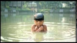 Robi Mobile AD  Bashombob Thanda (Very Fanny add it is)
