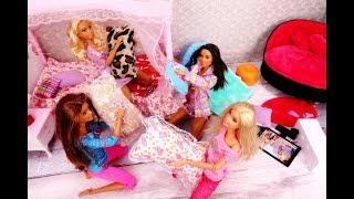 The floor is a lava pijama party at Barbie and the ghost ??? !!! 🎉 A fairy tale with Barbie dolls