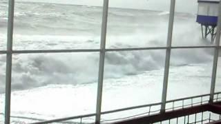 Снова Шторм в Крыму- Гурзуфе.07 февраля 2012.   6-баллов(Гурзуф опять подвергся атаки сильного шторма., 2012-02-07T12:33:48.000Z)