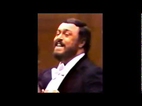 Luciano Pavarotti sings Live an Amazing High D Flat in 1979
