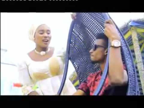 Download Gwarzon shekara Hausa Songs