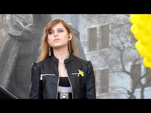 Dominika Stara   01 Chlap Z Kriza (Szidi Tobias) Z Dakovneho Koncertu Dna Narcisov