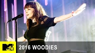 chvrches perform clearest blue at mtv woodies10 for 16 2016 woodies mtv