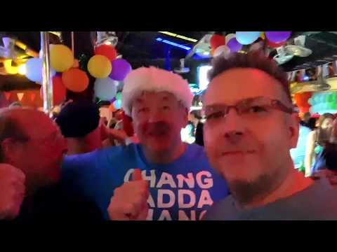 Biggest Christmas party in Pattaya with Geoff Carter - Pandora bar soi 7