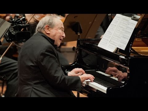 Menahem Pressler making his debut with the Berliner Philharmoniker