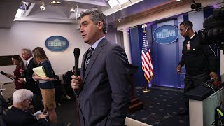 White House suspends CNN reporter's press pass