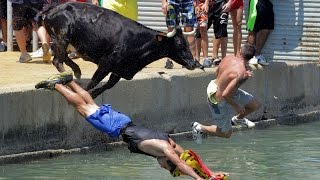 Смешные прыжки в воду падения и неудачные трюки прикольно