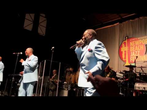 Love Train - O'Jays @ 2017 Newport Jazz Fest (Smooth Jazz Family)
