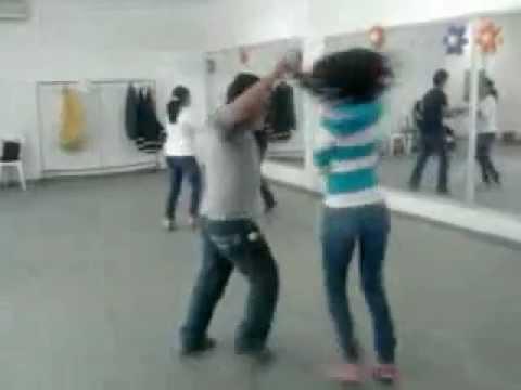 Bailando Cumbia (sonora Dinamita-mil Horas)