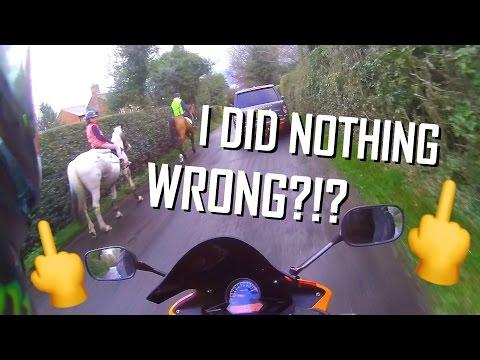 Horse Riders RAGE at Motorcyclist   Honda CBR 125r 2016