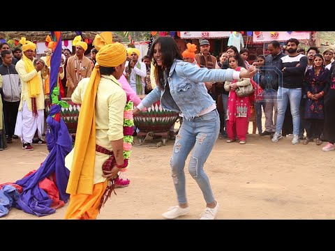 Delhi Girl vs Haryanvi Boy on Nagada Dance at Surajkund mela