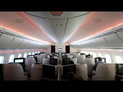 QATAR AIRWAYS BUSINESS CLASS REVIEW | Traveling to INDIA (Miami - Doha - Delhi)