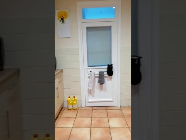 Double room in friendly house share Main Photo