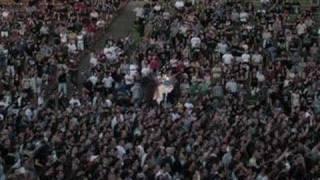 "MTV Larva Fecal live. ""Por el culo tour voy a dar""."