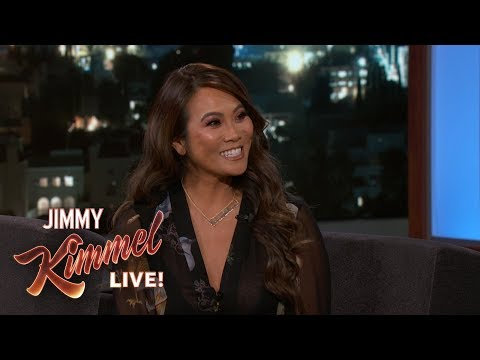 Dr. Pimple Popper Sandra Lee on Popping Pimples & Popaholics