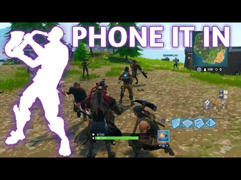 FORTNITE PLAYERS REACTION TO *NEW* PHONE IT IN EMOTE!!!