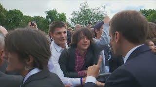 """Emmanuel Macron weist Teenager zurecht: """"Du nennst mich Präsident!"""""""