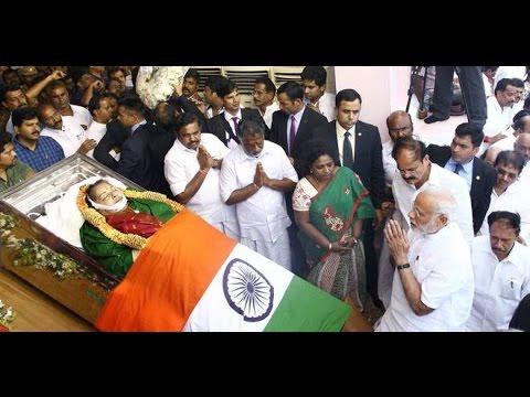 PM Modi Pays Floral Tributes to #Jayalalithaa at Rajaji Hall