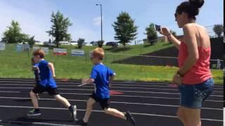 Runner's Camp 2016 - Elliott begins the 400m