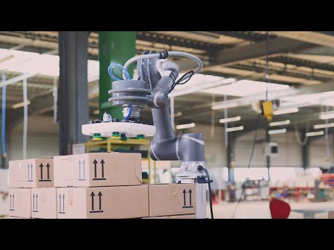 Collaborative palletizer designed for industrial applications from FlexLink and OMRON