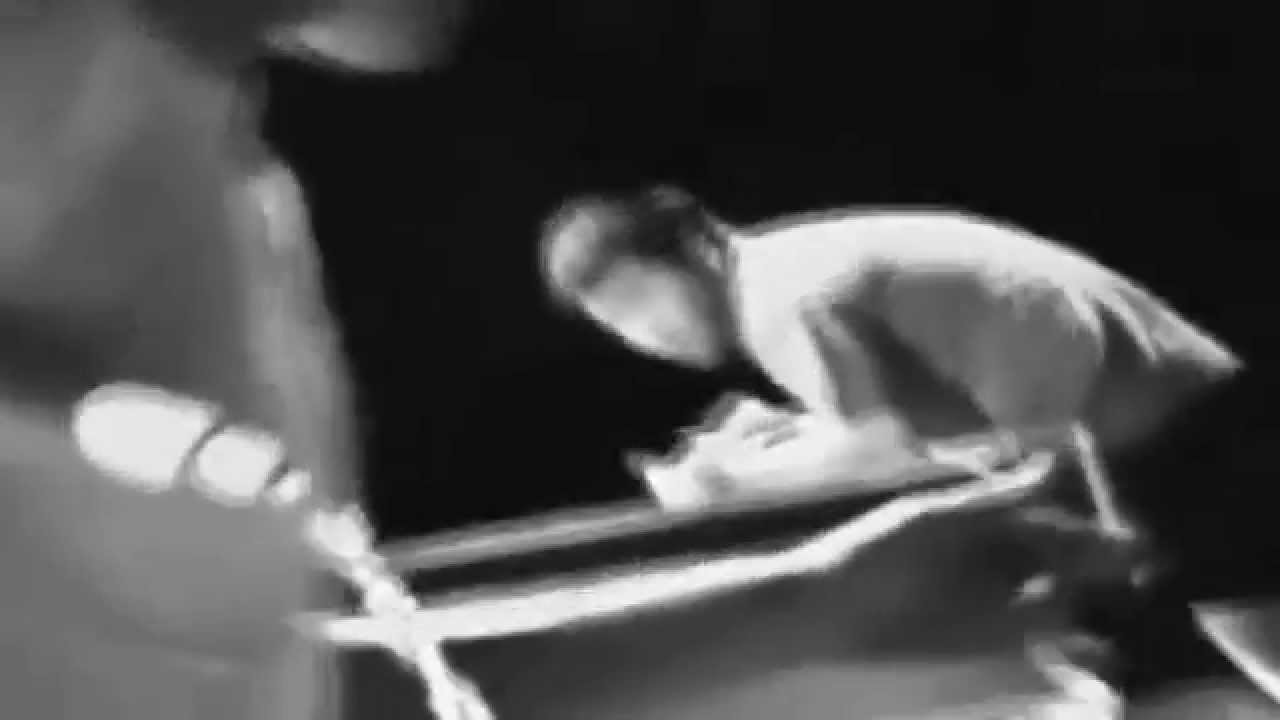Bruce Lee Nunchaku Ping Pong