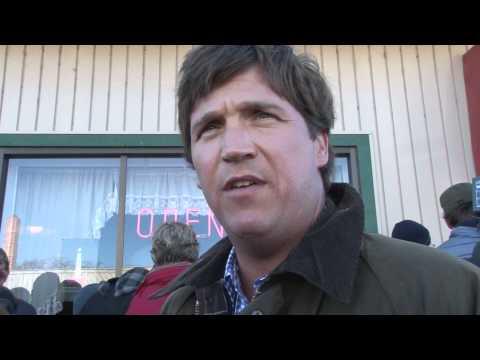 "Tucker Carlson calls AVTM ""parasite"" ""Alex Jones? Fuck YOU!"""