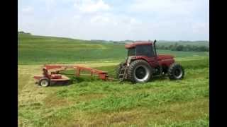 case ih magnum 7120 tractor and case ih 8312 disc windrower