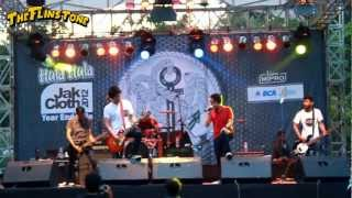 TFT - Popularitas Bintang Media [Live at Jakcloth - PSD Stage | 07.12.2012]