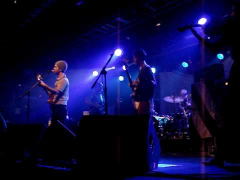 British Sea Power - A Wooden Horse (live) mp3
