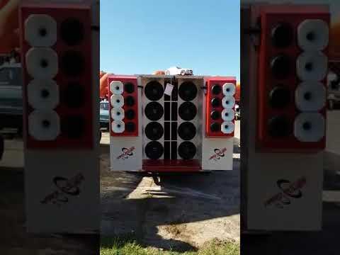 CARRETINHA COM 8 ALTO FALANTES HARD POWER HP 600 RMS!!