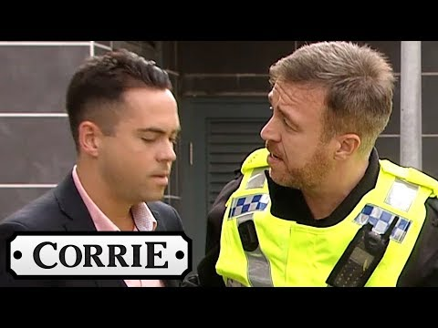Billy and Summer Watch Todd Get Arrested - Coronation Street