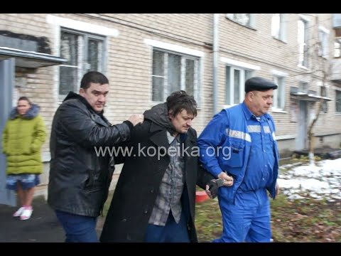 Полиция проводит обыск у опасного психа с оружием в Сергиевом Посаде