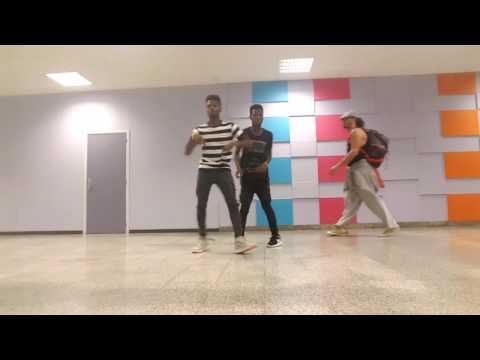 Jerry Purpdrank - Living it step dance @KINGS TESCO