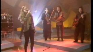 "Gloria Estefan & the Miami Sound Machine - ""Oye Mi Canto (Hear My Voice)"" on BBC show Wogan 1989"